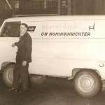 Bedrijfswagen van Rinus Beerendonk Links Rinus Beerendonk en Janus Voet rechts